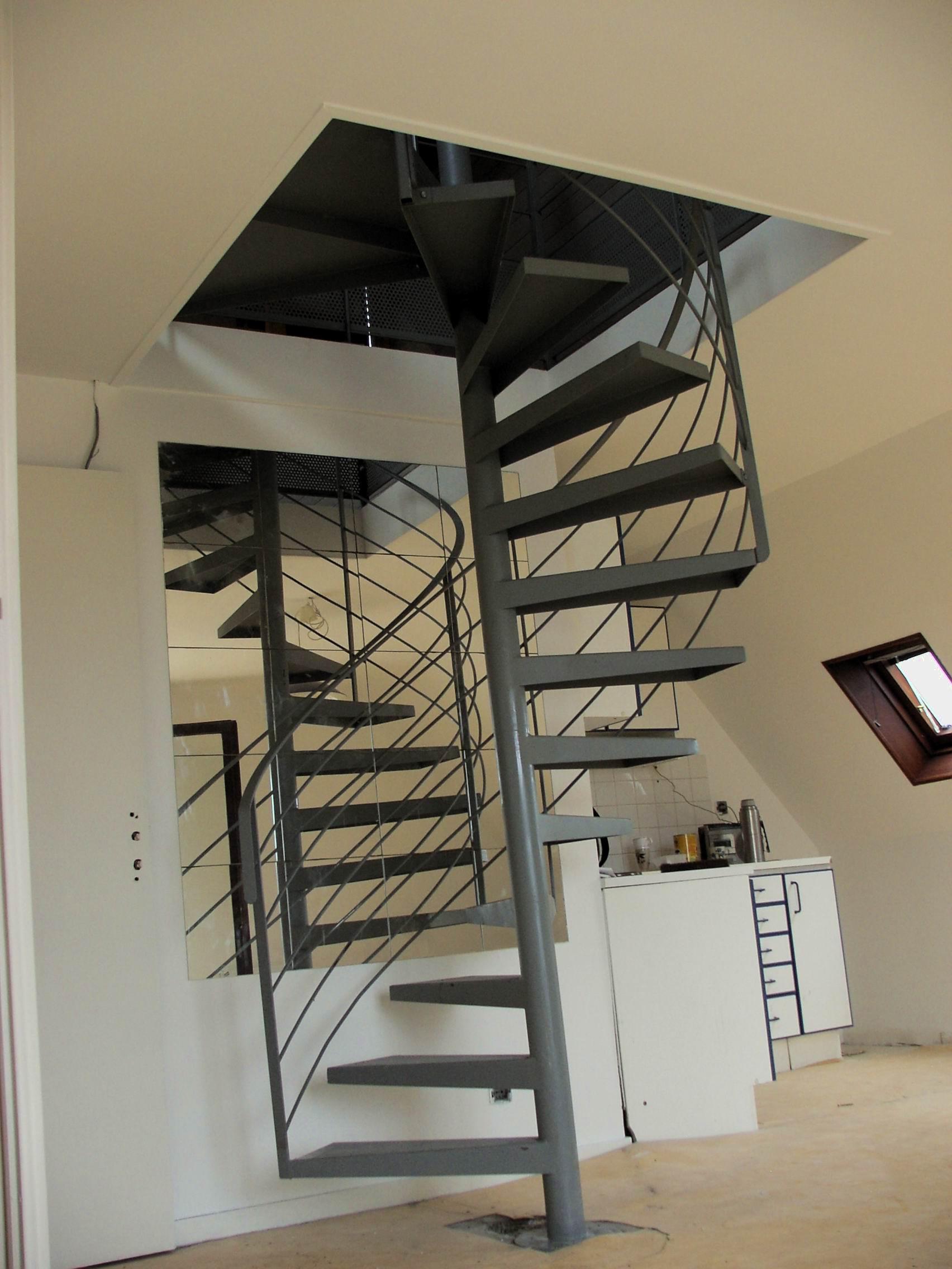 Assez ESCALIERS INTÉRIEURS HÉLICOÏDAUX - Billiet - Escaliers d'art  DD42