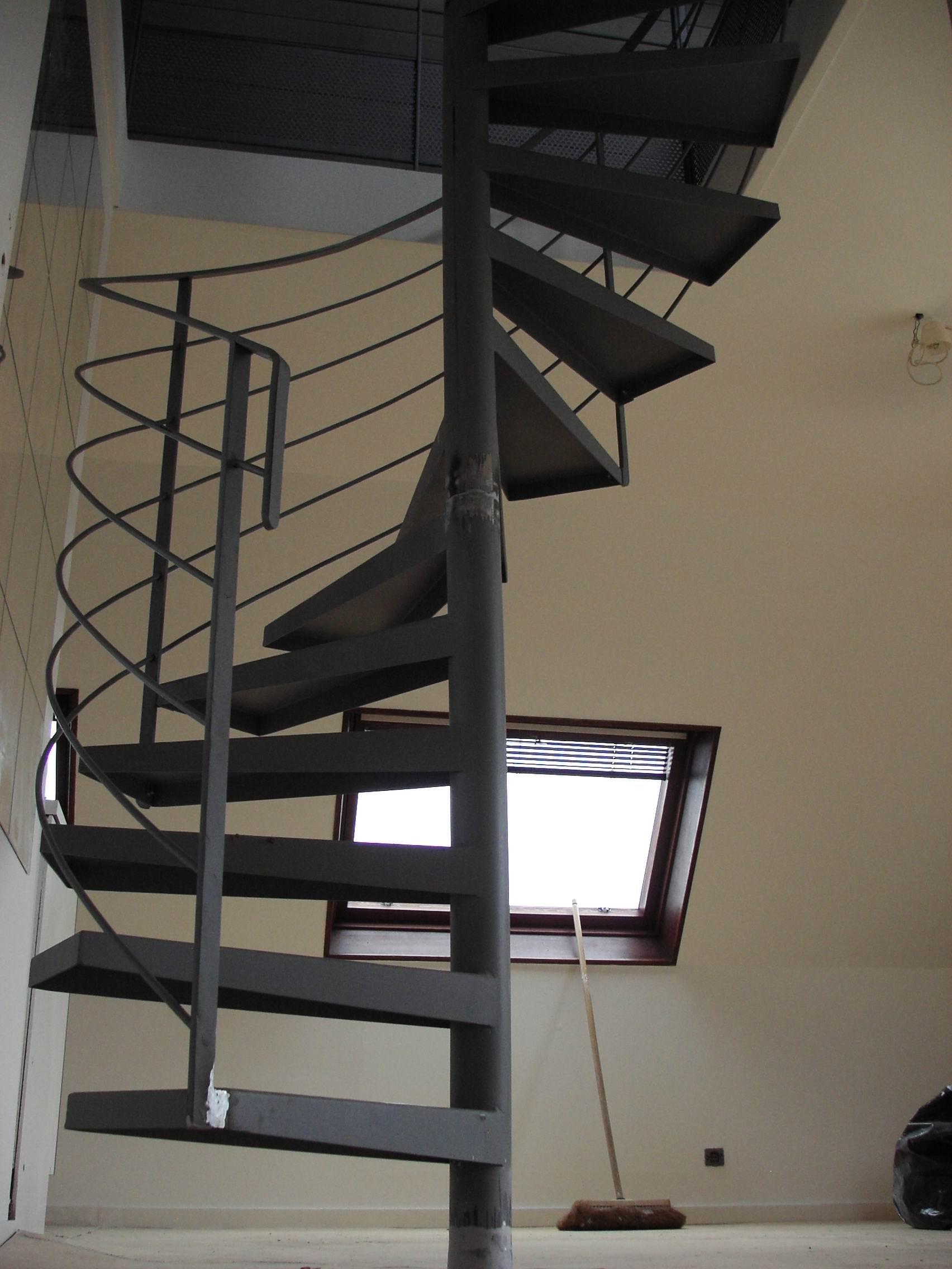 Assez ESCALIERS INTÉRIEURS HÉLICOÏDAUX - Billiet - Escaliers d'art  FV48