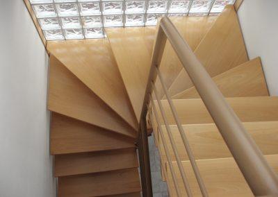 Escaliers intérieurs balancés (121)