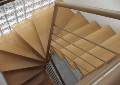 Escaliers intérieurs balancés (124)